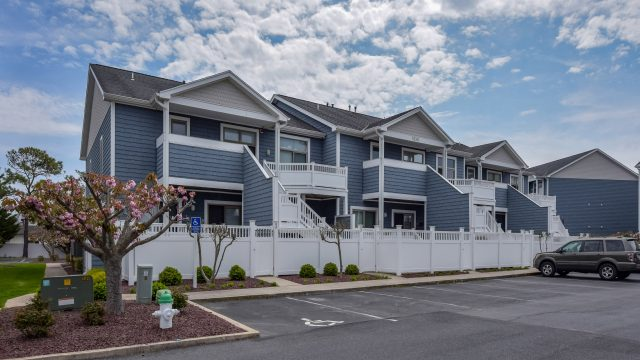 Just Listed: 1E Harbour Club, Ocean City – Beautiful Harbour Club Villa Style Property!