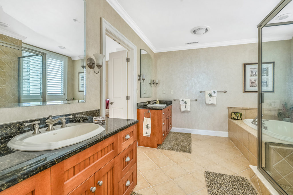 37 Master Bathroom