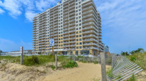 Just Listed: 1707 Gateway Grand – Magnificent Oceanfront Penthouse!